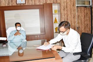 नवागत क्लेक्टर श्री गौतम सिंह ने पदभार ग्रहण किया