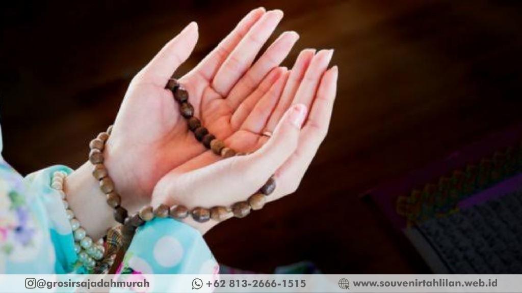 Wajib Hafal! Ini Dia Doa Orang Meninggal Untuk Perempuan