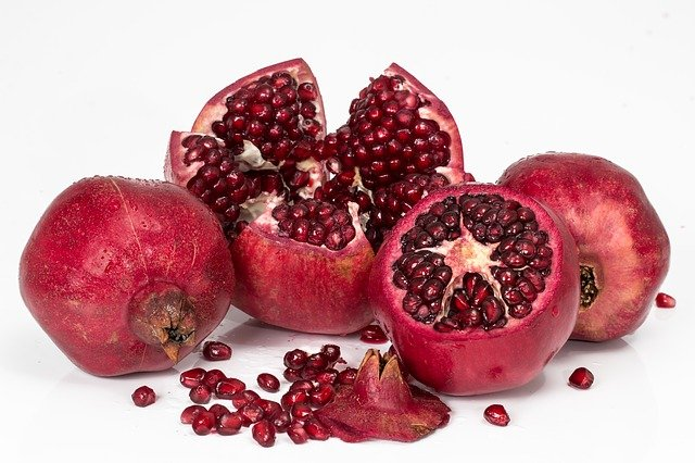 22 Benefits of eating a pomegranate