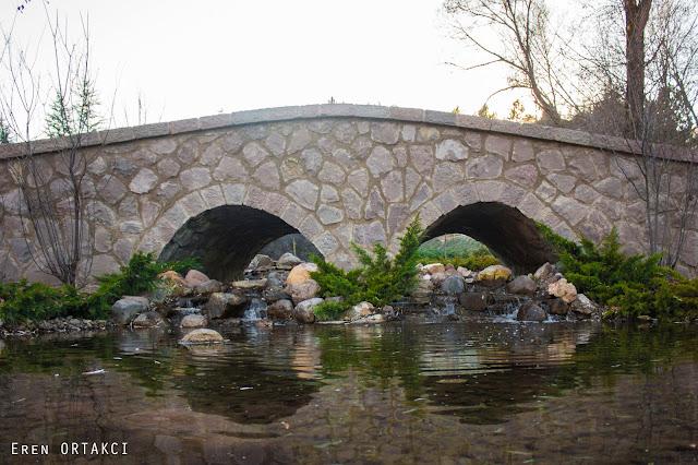 Taş Köprü ve Yansıma