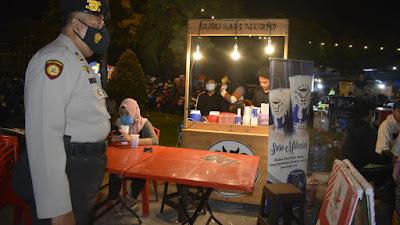 Pantau Suasana Malam Imlek dan Valentine Day, Polresta Pekanbaru Lakukan Patroli KRYD di Tempat Keramaian Kota