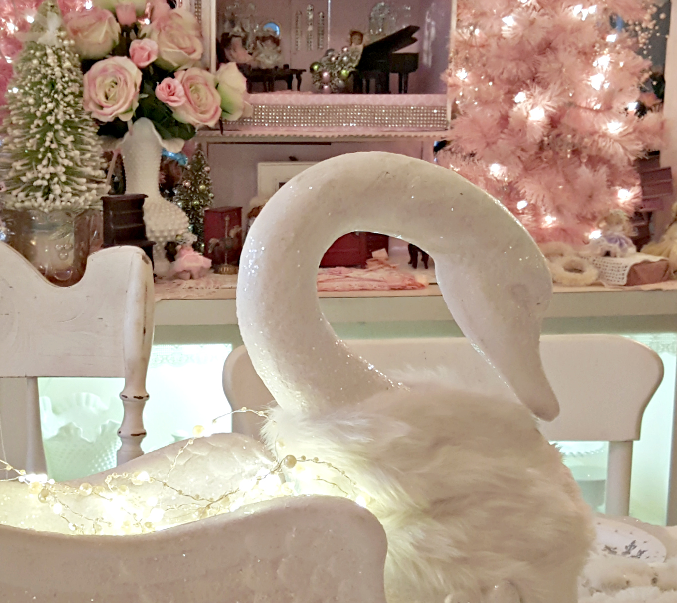 Santa Hat Chair Back Covers Hobby Lobby Loft Bed With Futon Penny 39s Vintage Home White Swan Christmas Tablescape