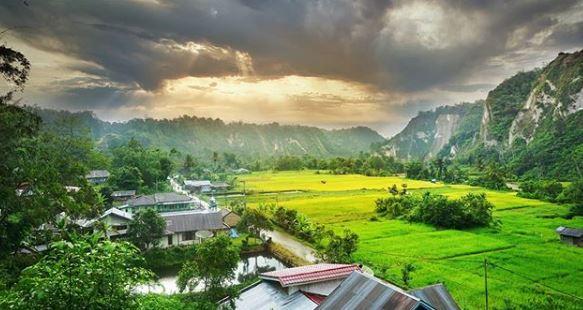 Wisata Sumatra Barat Ngarai Sianok Obyek Wisata Alam Terindah Di Sumatera Barat Media Travelling
