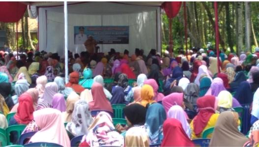 Bupati Pangandaran H. Jeje Wiradinata Ingatkan Para RT Untuk Mengajak Warganya Shalat Maghrib Berjamaah di Masjid