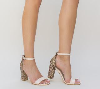sandale roz cu toc gros si toc cu gliter