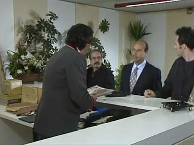 Il vero Khaled, mercante di tappeti, si presenta in portineria