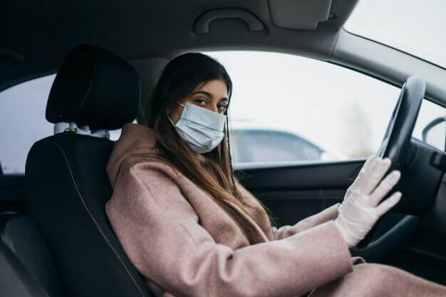 تعقيم السيارات أثناء قيادة السيارات