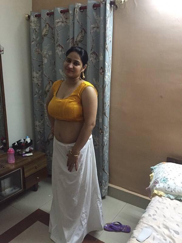 Amazing indian aunty sunitha nude