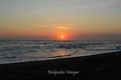 Menikmati Pantai Munggu berteman sunset - Backpacker Manyar