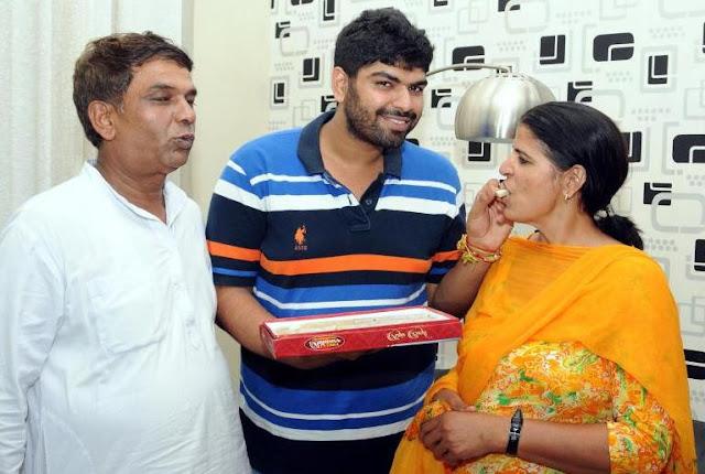 Sakshi Malik Family
