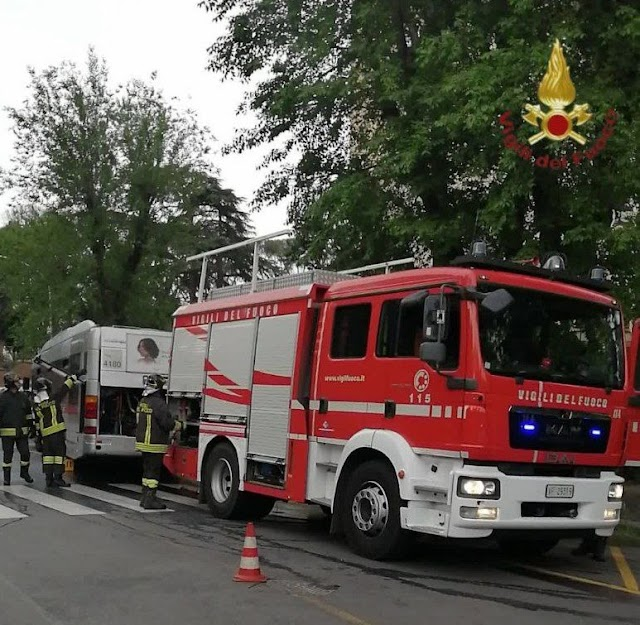 Principio di incendio su un bus Atac