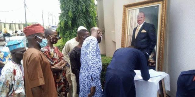 Senator Abiola Ajimobi will be given private burial –Aide