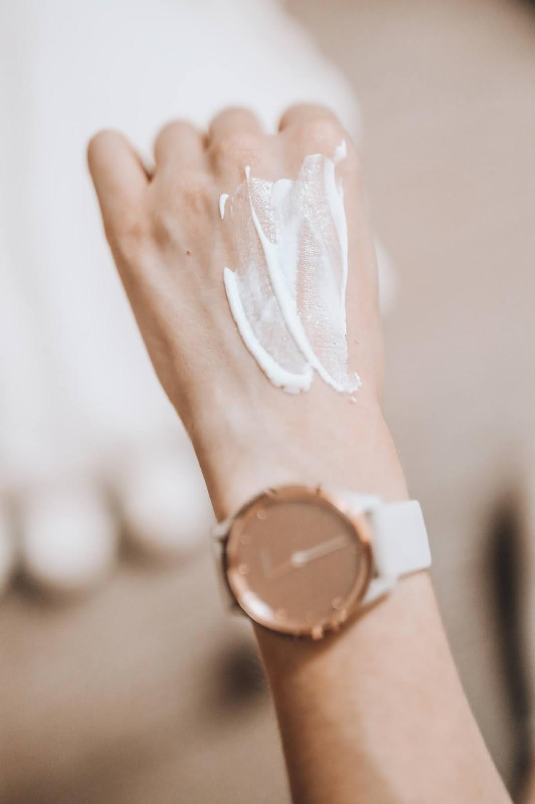 Charlotte tilbury magic cream light swatch
