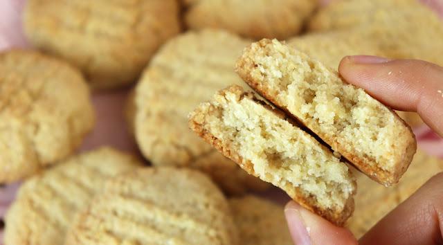 Biscoito amanteigado vegano, sem glúten, low carb