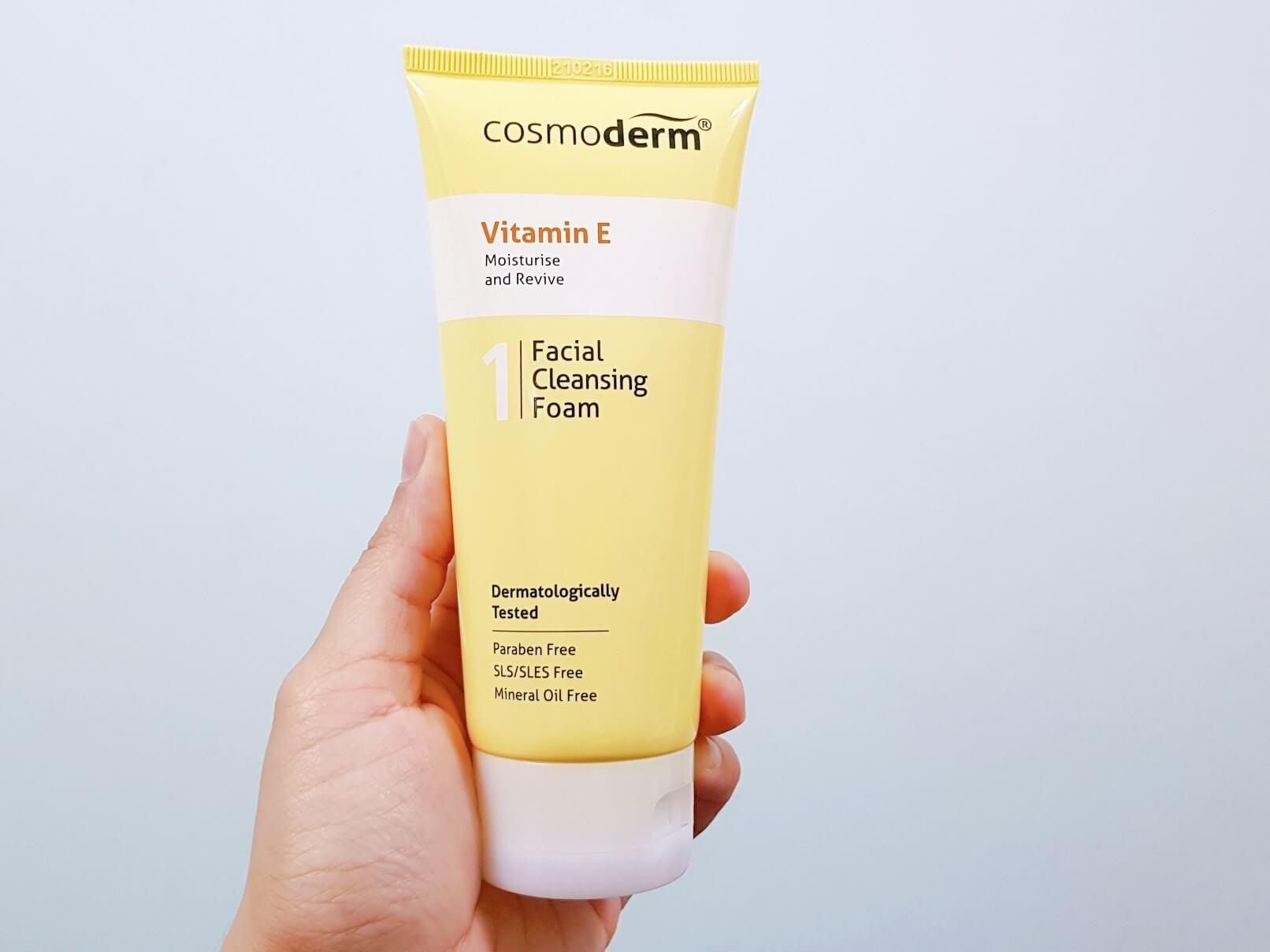Atasi Jerawat dan Rawat Parut Jerawat Dengan Cosmoderm Tea Tree Oil dan Cosmoderm Vitamin E
