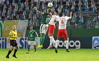 Goiás empata em casa com RB Bragantino e cai para Série B