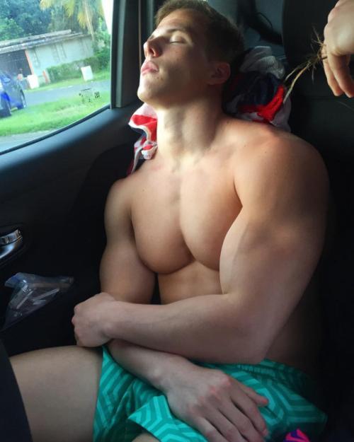 barechest-michael-dean-johnson-car-biceps-pecs-picture