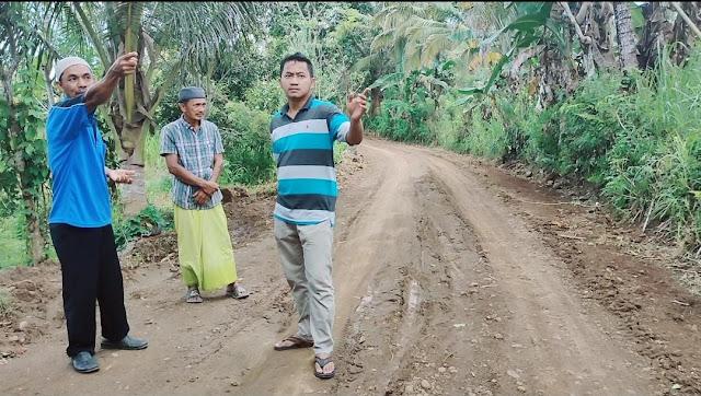 Warga Bulu Tanah Semringah, Jalannya Mulai Dikerja