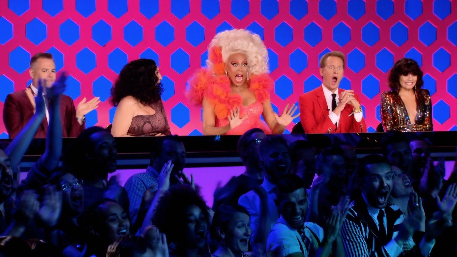 As queens já mostraram a que vieram nos primeiros minutos da terceira temporada, em um verdadeiro show de talentos variados e looks fabulosos.