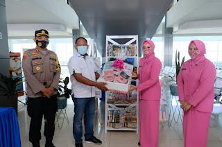 Ny Shanty Merdysam Apresiasi Pengurus Bhayangkari Cabang Pelabuhan Inisiasi Taman Baca