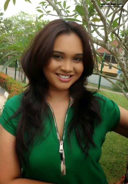 Gossip Lanka News 33000 Gallery : Actress Gayathri Dias