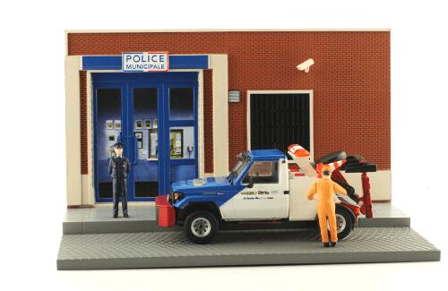 les plus beaux véhicules utilitaires, toyota land cruiser dépanneuse 1:43 police municipale