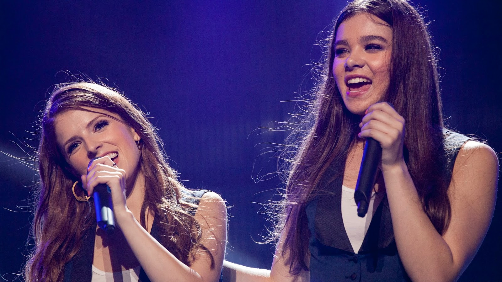 Anna Kendrick Hailee Steinfeld | Pitch Perfect 2
