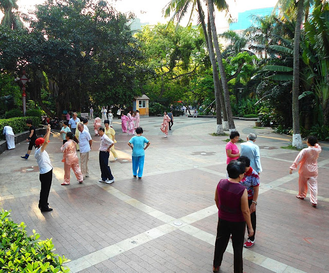 Tai Chi in Haikou Peoples Park