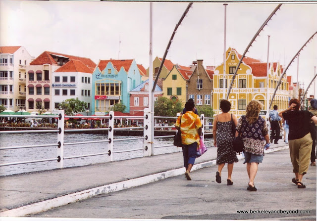 swinging Queen Emma pontoon bridge in to Willemstad, Curacao