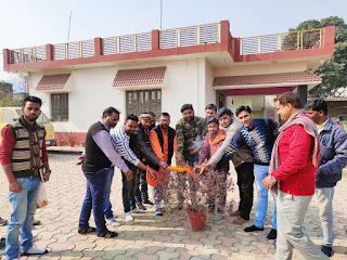 हिन्दू युवा वाहिनी बदलापुर ने मनाया तुलसी पूजन दिवस | #NayaSaberaNetwork