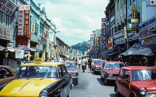 Throwback Dahulu Dan Kini! Mat Salleh Kongsi Gambar Nostalgia Lawat Malaysia Tahun 1957... OHSEM!!