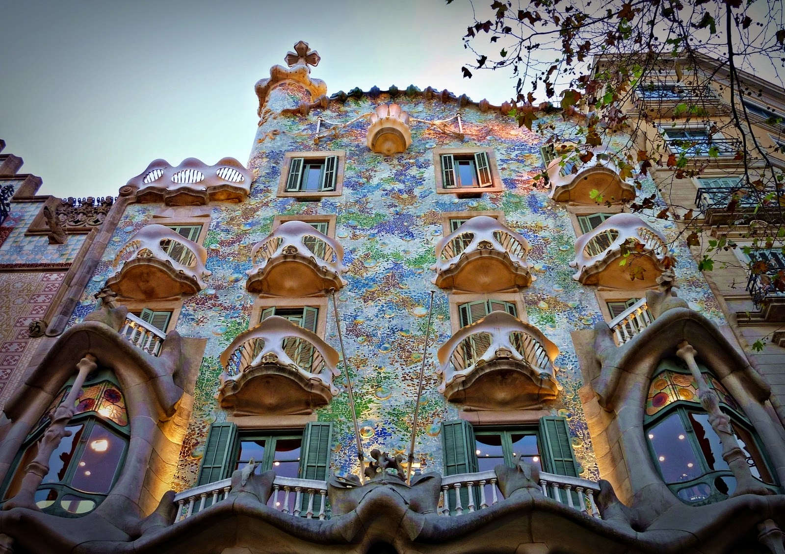 casa batll de gaud em barcelona dicas de barcelona e espanha. Black Bedroom Furniture Sets. Home Design Ideas