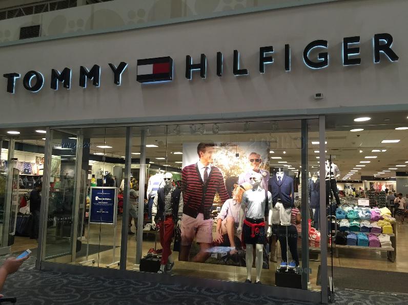 7553375f9 Loja da Tommy Hilfiger em Miami | Dicas pra Miami