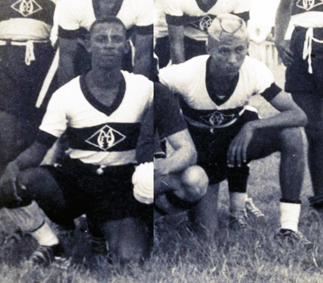 Foto antiga histórica jogadores de futebol