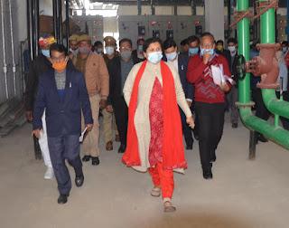ज़िलाधिकारी श्रुति सिंह ने किया सैफई में परियोजनाओं का निरीक्षण
