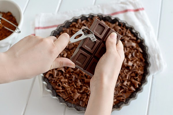 Como Decorar Una Tarta Con Virutas De Chocolate