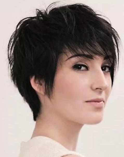 Model rambut wanita pendek Spike