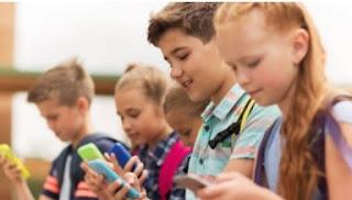 في الولايات المتحدة 90٪ الأطفال قد استبدلوا الرياضة بالهواتف
