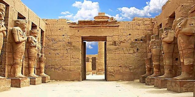 """Откриха мистериозна древноегипетска дъска за """"игра на смъртта"""""""