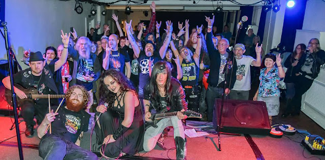 Lesbian Bed Death supporting Hands Off Gretel in Leek 2018 (Photo by Martin Kessel)