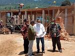 Donizar Tinjau Proyek DAK Pembangunan Sarana SMK N 1 Gunung Tuleh