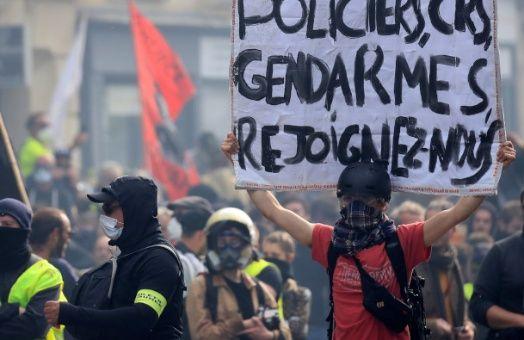 Chalecos amarillos protestan en víspera de las elecciones europeas