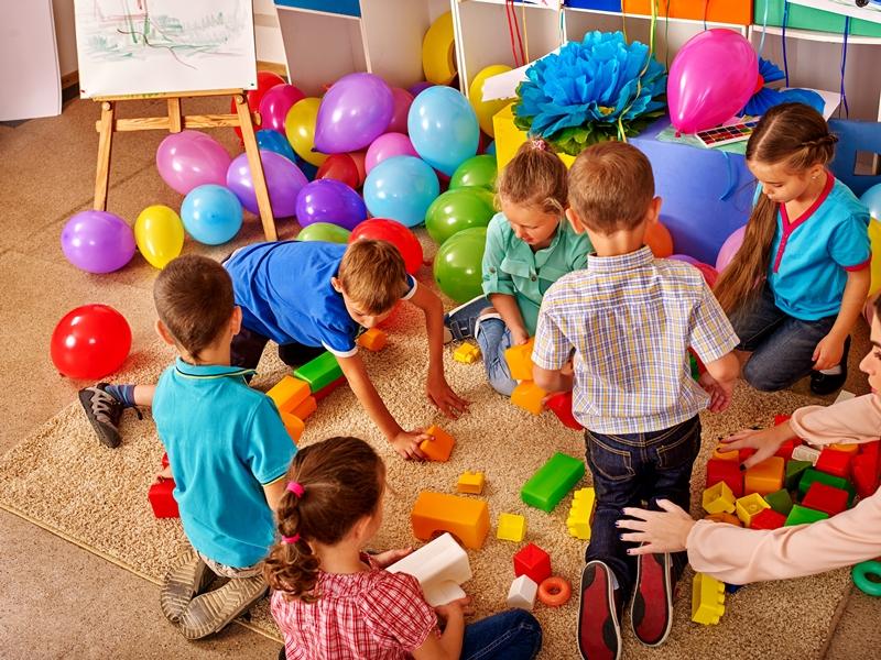 Eski rutinlerini özleyen çocuklar, yeni normalde koşmak, çığlık atmak ve oynamak istiyor