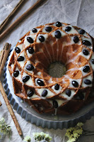 bundt-cake-nueces-chocolate-blanco
