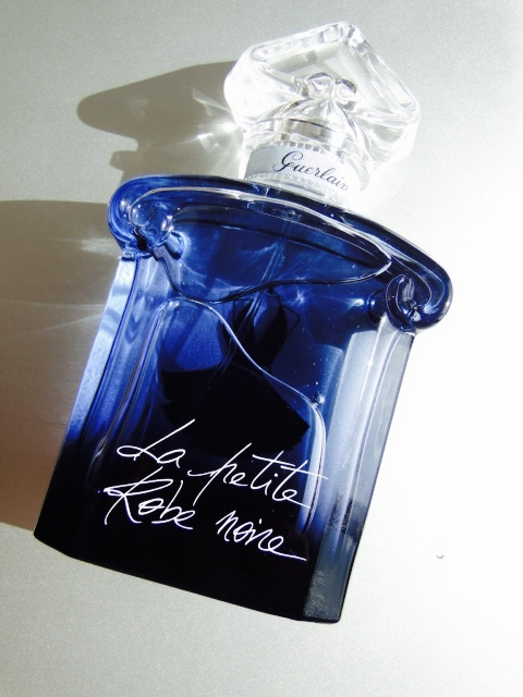 La petite robe noire que olor tiene