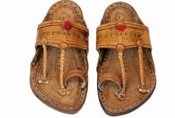 9cd13379cfe3 Traditional Indian Shoes. Traditional Indian sandals ...