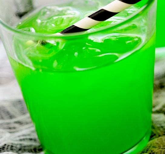 WITCH'S BREW COCKTAIL #drinks #vodka