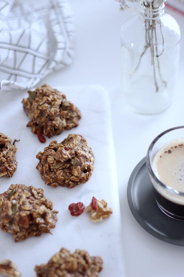 Banana Date Oat Breakfast Cookies - gluten free, vegan, no sugar added!