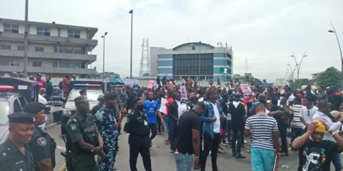 Akure Youths Chase Monarch Out Of Palace