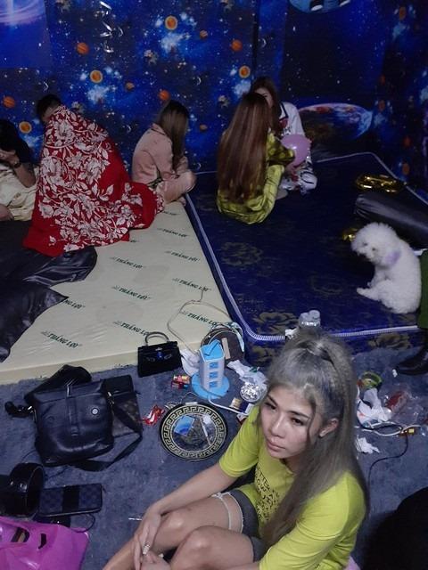 Chân dung hot girl Sài Gòn chi gần 35 triệu mua ma túy, bay lắc trong tiệc sinh nhật tuổi 26